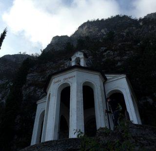 Camminata alla chiesetta di Santa Barbara