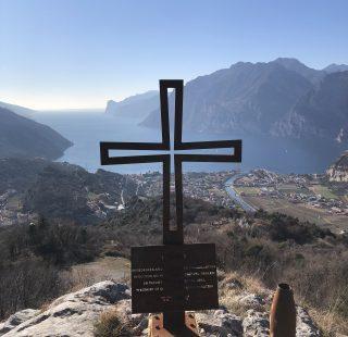 Monte Corno di Nago e il castagneto